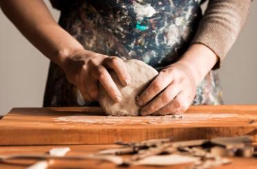 Auxiliar en Pintura y Manualidades (madera - cerámica - vitrofusión)